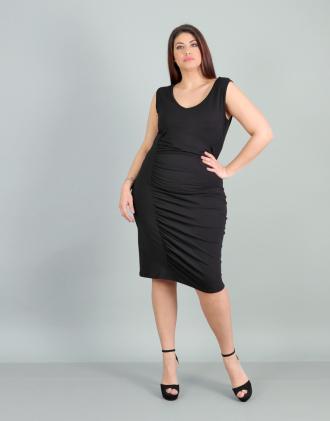 639e145dfef7 Εφαρμοστό μίντι φόρεμα για μεγάλα μεγέθη με σούρα στο πλάι σε ελαστικό  ζέρσεϊ.Το μοντέλο