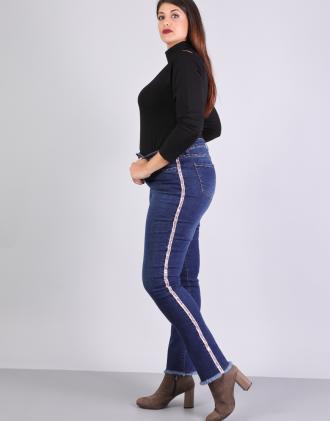 4600098adba9 Plus size ελαστικό παντελόνι τζιν ψηλόμεσο.Το μοντέλο φοράει  XLΎψος  μοντέλου  183 cm