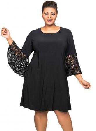 fd15ddd7480 Φόρεμα μαύρο με στρογγυλή λαιμόκοψη και μανίκια καμπάνα από δαντέλα.  Φτιαγμένο από μαλακό jersey ύφασμα